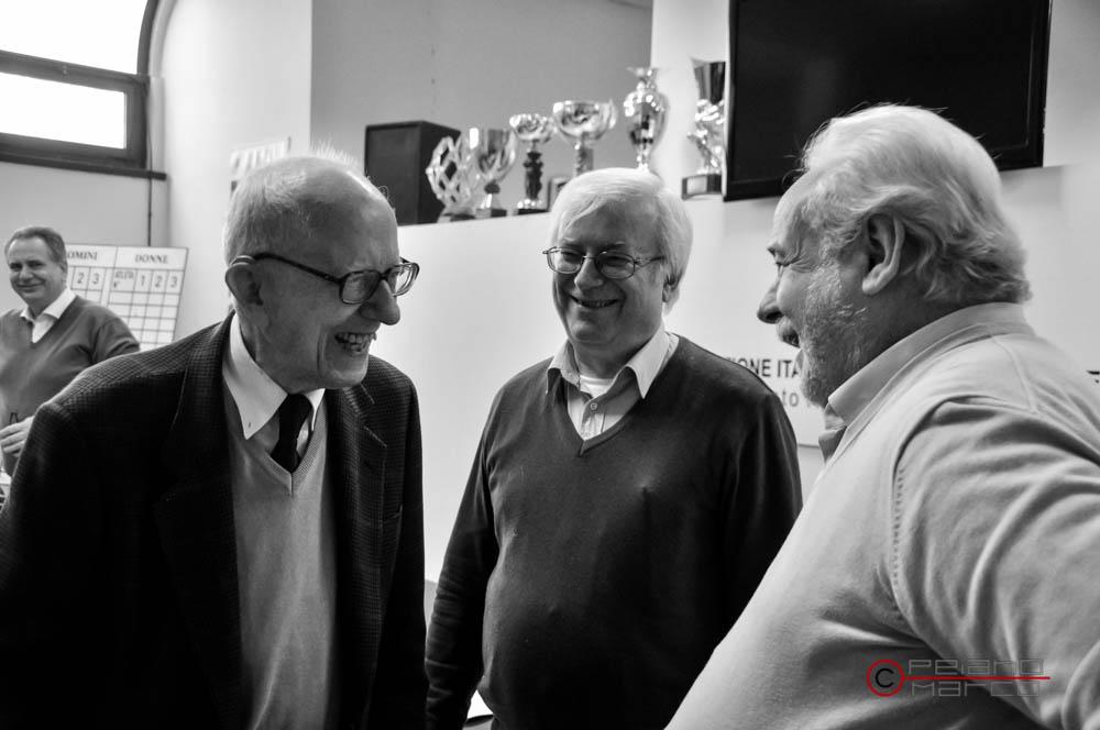 Castellini e Zanetti Lorenzetti si intrattengono con il presidente onorario Roberto L. Quercetani
